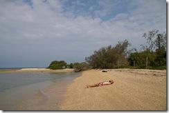 Seul sur le sable, les pieds dans l'eau....Mon reve était trop beau.